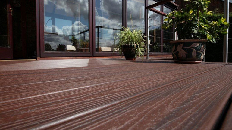 Fade, stain, rot and pest-resistant, composite decking material is a gorgeous, natural-looking way to complete your outdoor living space and ensure it lasts a lifetime.