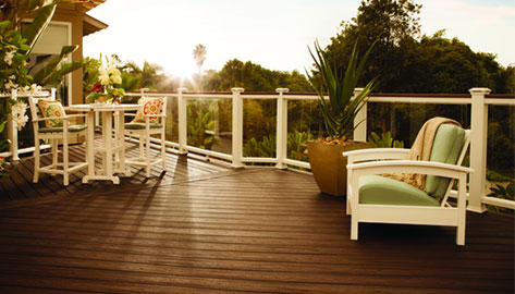 Trex Transcend Glass Panel Railing provides an obstacle free view to our outdoor oasis.
