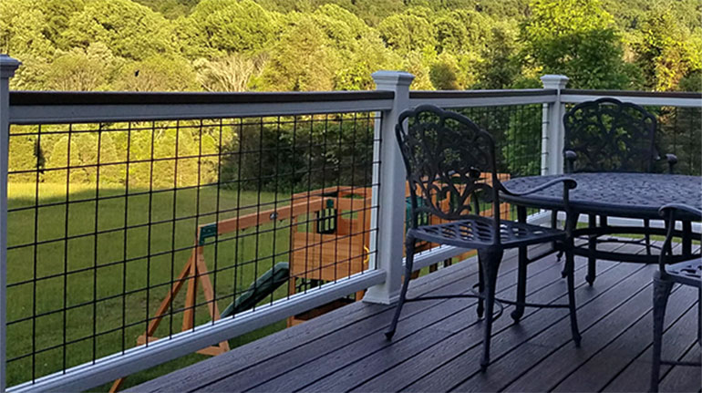 TrexTranscend Railing combined with Wild Hog Infill make for an excellent combination that creates a rustic contemporary feel.