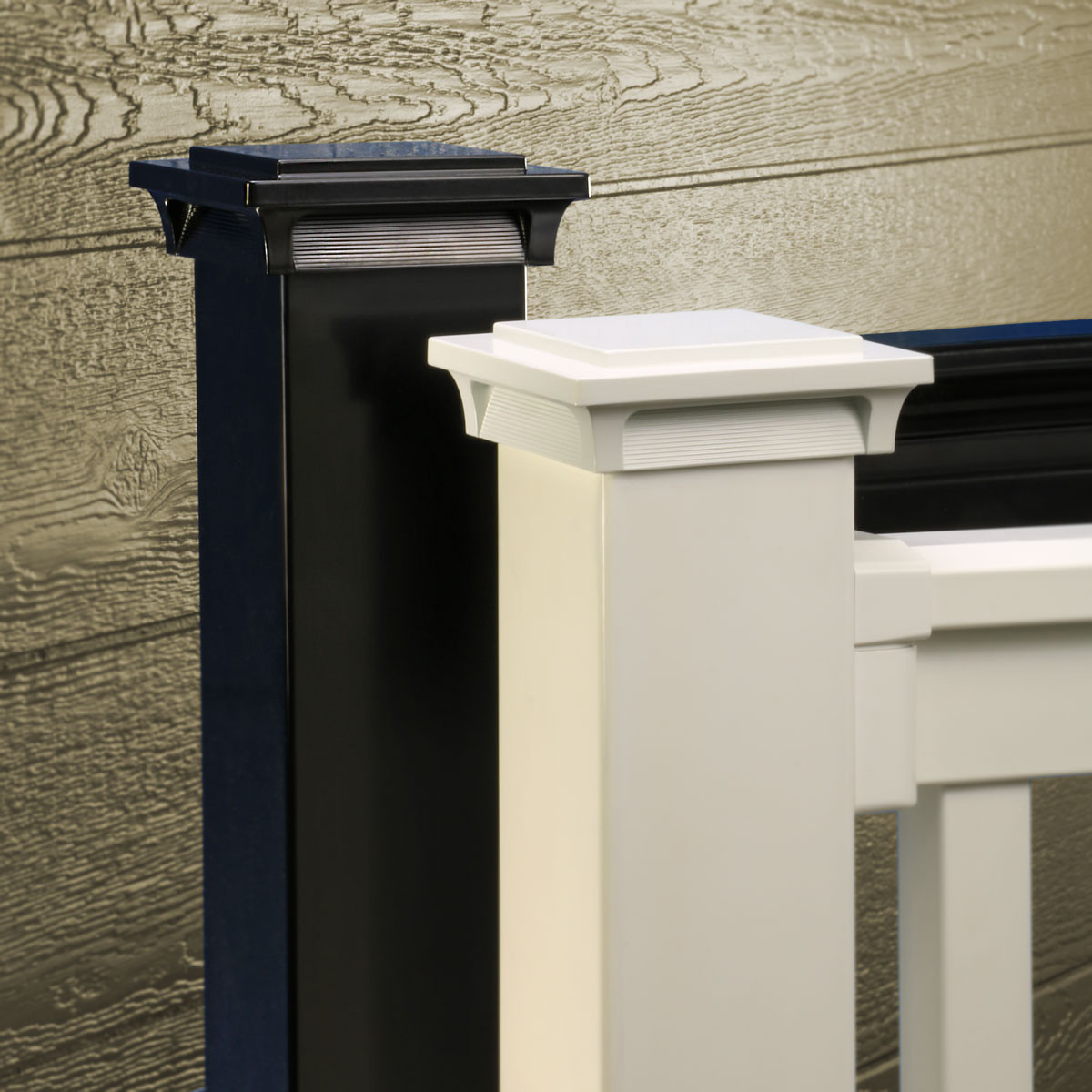 Give your deck a polished effect day in and day out with the Deckorators ALX Pro Luna Post Cap Light in Black or White.