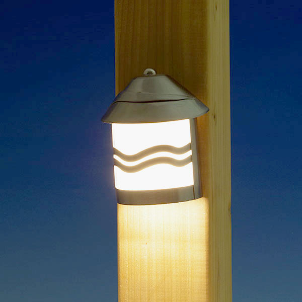 Lake Powell LED Rail Light by Highpoint Deck Lighting - Brushed Silver - lit