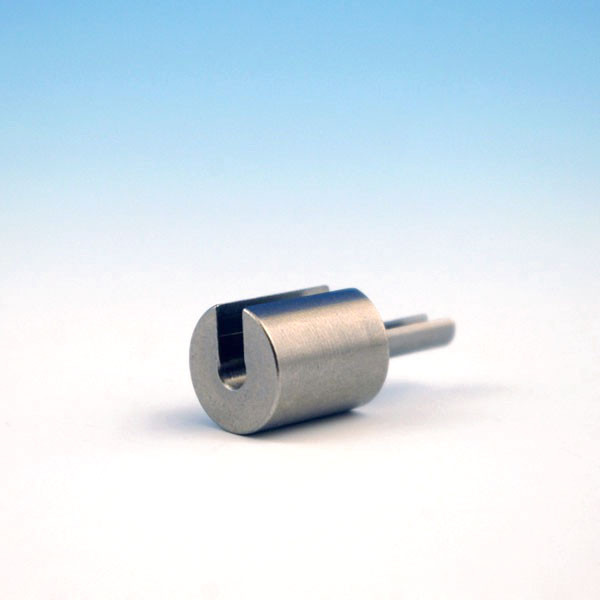 The patented 1/8 Inch CableRail Release Tool allows you toopen the locking jaws within the Feeney Quick-Connect fitting to remove your cable and fix any installation mistakes.
