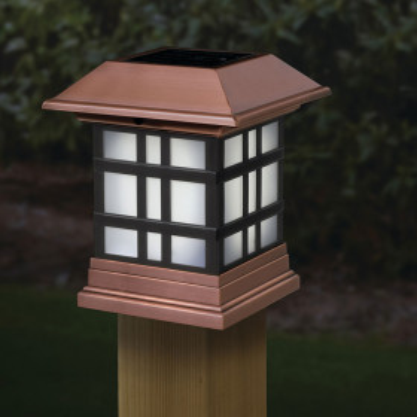 Deckorators Dynasty Solar Post Cap Light