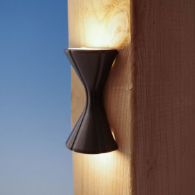 Endurance Hourglass LED Rail Light by Highpoint Deck Lighting - Textured Black - lit