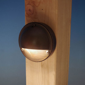 Estes Rail Light by Highpoint Deck Lighting