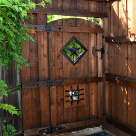 Gate with Dog Lookout Project Kit by OZCO Ornamental Wood Ties