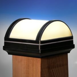 When the sun goes down, the Deckorators Nouveau Arch Solar Post Cap Light lends gorgeous illumination to your space.