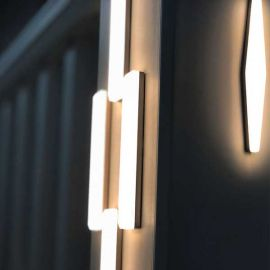 Fun, modern deck lighting designs, all at the touch of your hands with Bar Medallion Post Accent Light by Dekor.