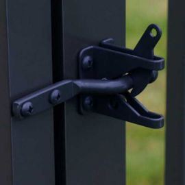 Strong and reliable, the HideAway Boerboel Gravity Latch blends in seamlessly while eliminating any gate doors from opening.