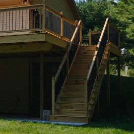 Complete your Somerset Vista Level Railing with the Somerset Vista Stair Railing Kit.