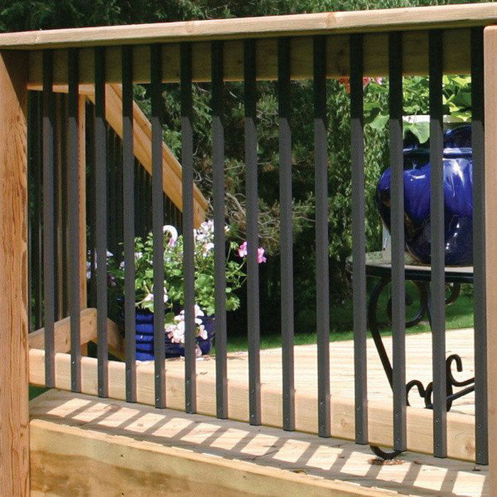Deckorators Traditional Aluminum Balusters installed on a cedar railing