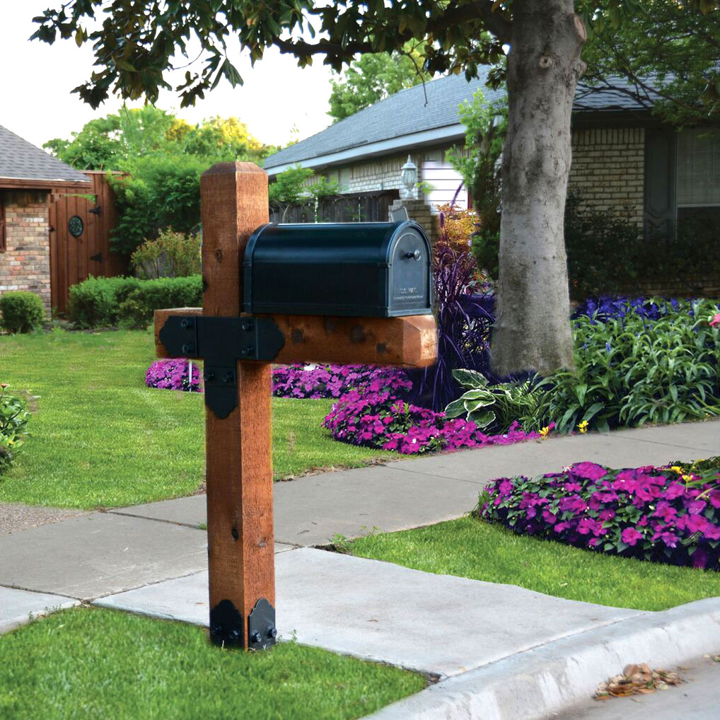 OZCo Laredo Sunset Estate Mailbox project kit in beatiful front yard
