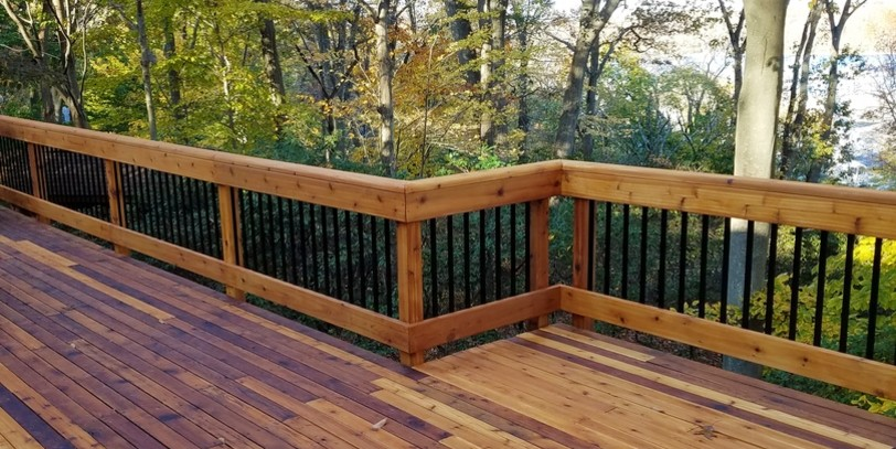 Modern Wood Railing Options To Make Neighbors Envious