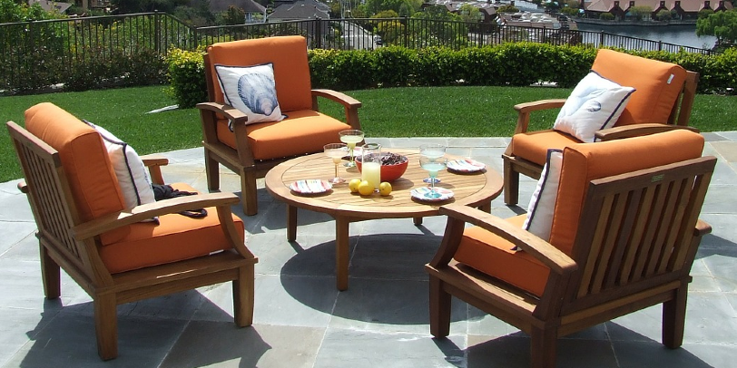 How to Build Outdoor Seating with Structural Hardware
