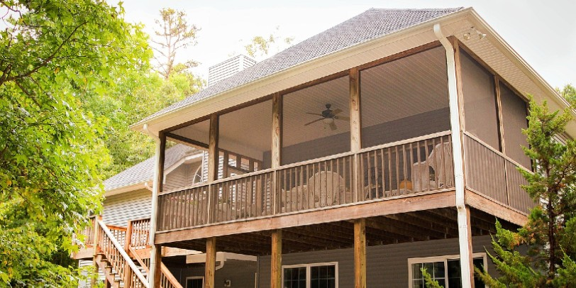 What's the Difference Between a Screened-In Porch and 3 Season Room?