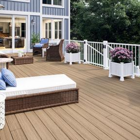Deckorators ALX Classic Railing with Heritage Ciderhouse decking