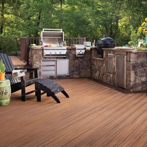 Cook to your heart's content with fade and stain-resistant Trex Transcend in Tree House.