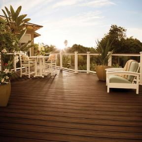 Watch the setting sun shine down on your deck in Spiced Rum shade of Trex Transcend.