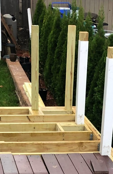 Our Deck of the Month winner chose to build up the deck framing posts into the Trex Transcend railing