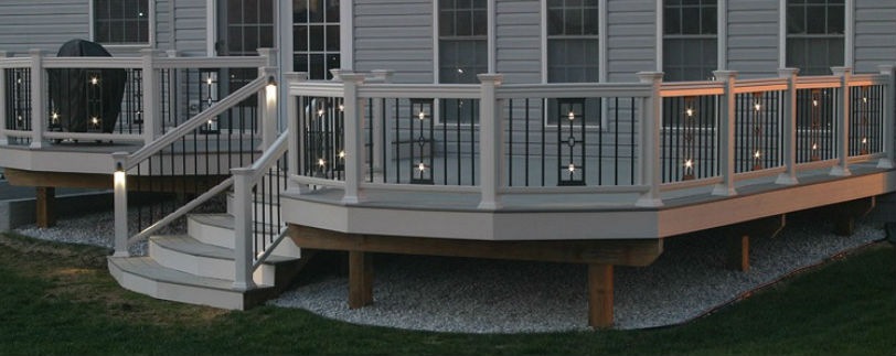 Dekor Perfect Panels are the ultimate railing accessory to add to your home in 2019; choose from standard or illuminated panels to give your backyard a downtown feel