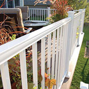 An Example of Aluminum Deck Railing